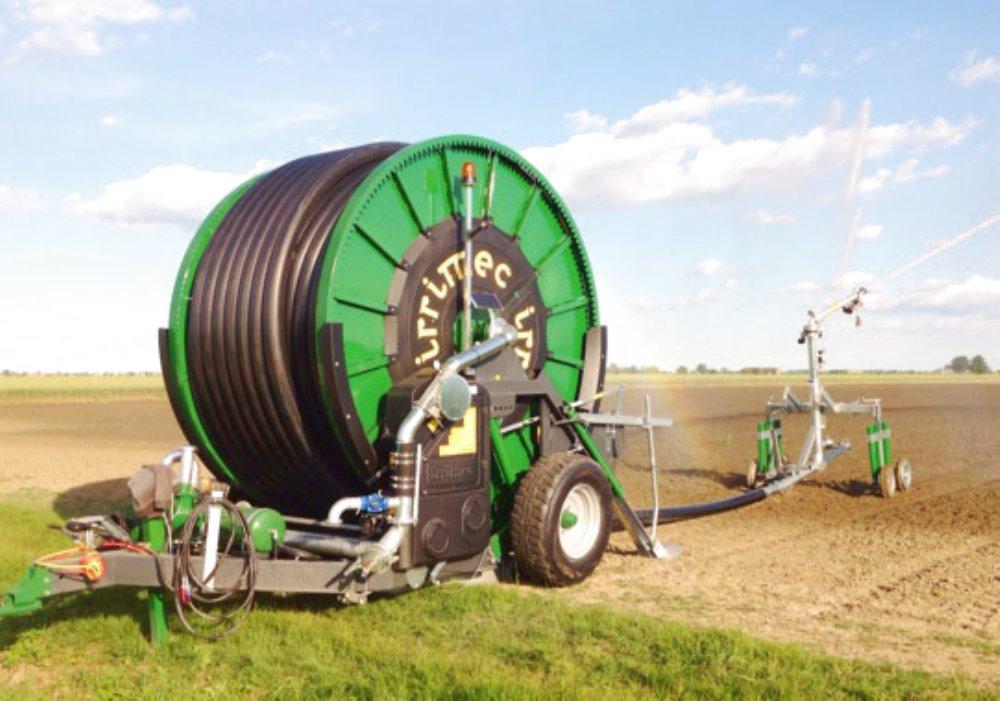 RISPARMIO IDRICO CON LA MACCHINA IRRIGATRICE Non è vero che l'irrigazione a goccia risparmia acqua.